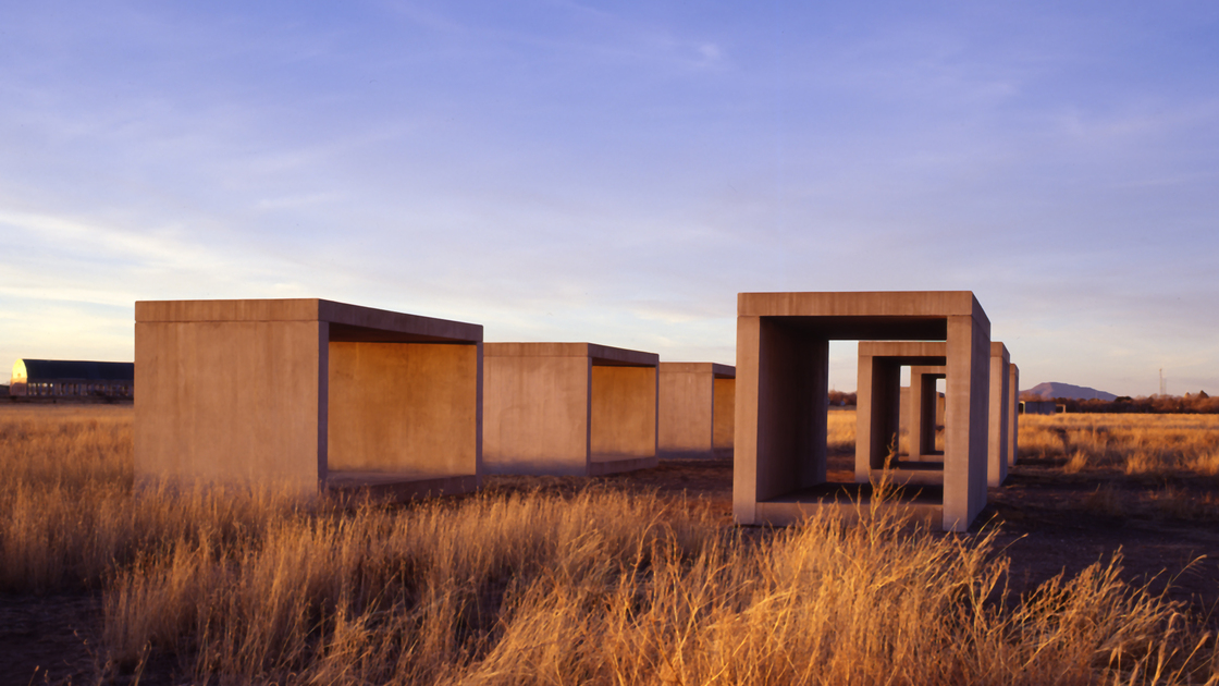 Escape to the landscape of marfa texas jenny by design for Minimal art judd